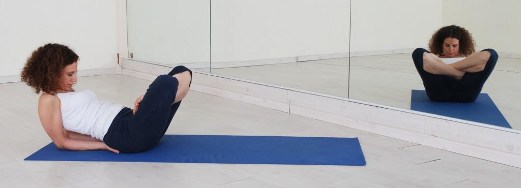 תנוחות ותרגילי יוגה: תנוחת המשקל yoga asana asanas postures tolangulasana
