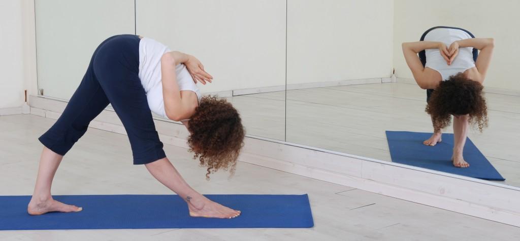 תנוחות ותרגילי יוגה: parsvottanasana yoga asana asanas postures