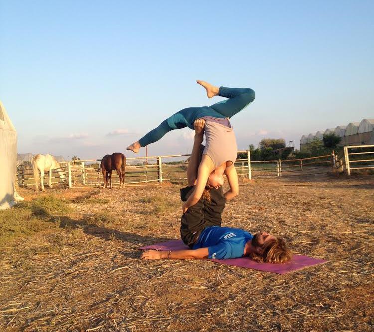 acro yoga c